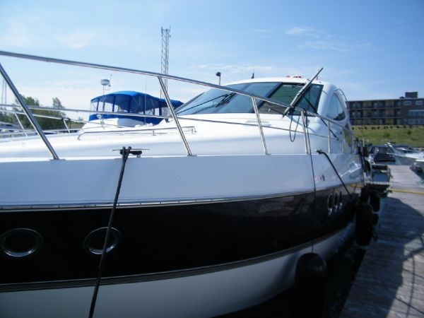 2010 Cruisers Yachts 520 Sport Coupe Photo 7 sur 81