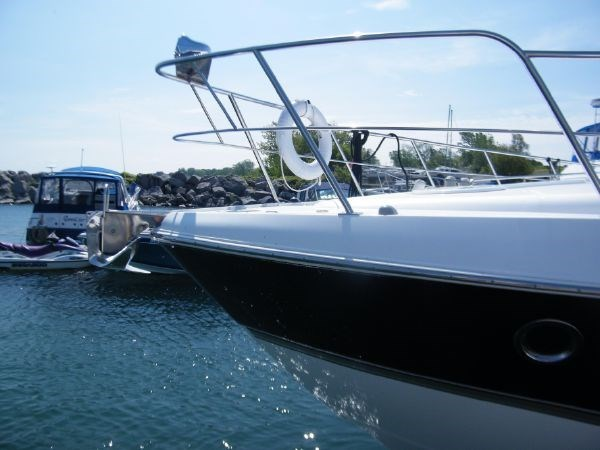 2010 Cruisers Yachts 520 Sport Coupe Photo 8 sur 81
