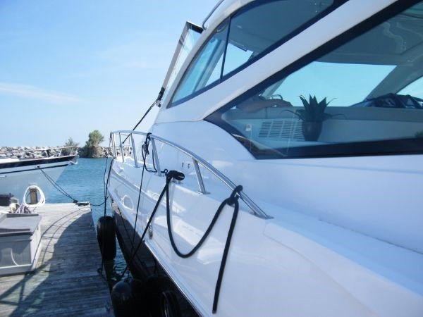 2010 Cruisers Yachts 520 Sport Coupe Photo 10 sur 81