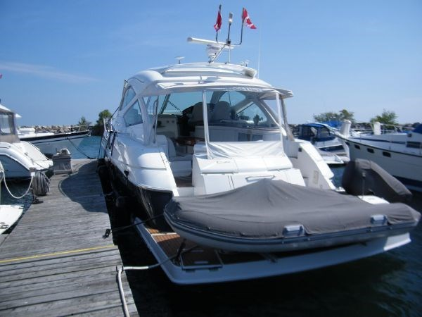 2010 Cruisers Yachts 520 Sport Coupe Photo 2 of 81