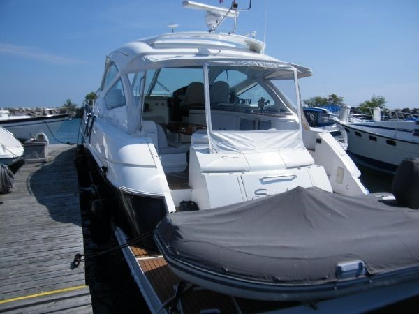 2010 Cruisers Yachts 520 Sport Coupe Photo 3 sur 81
