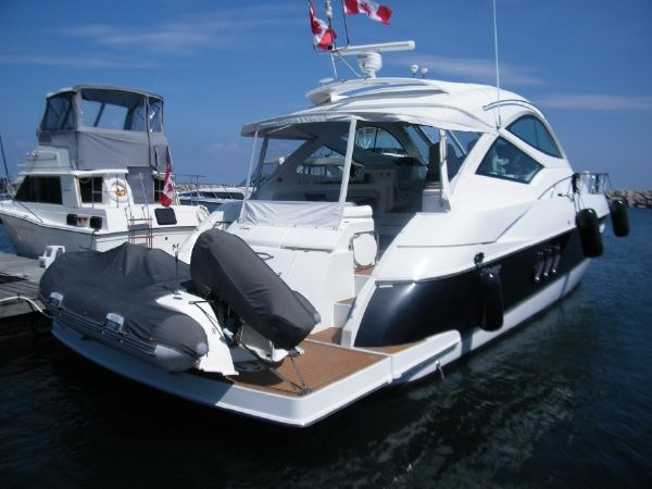 2010 Cruisers Yachts 520 Sport Coupe Photo 4 sur 81