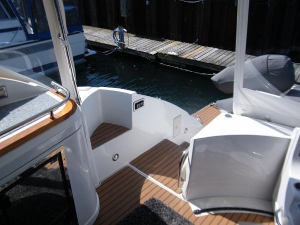2010 Cruisers Yachts 520 Sport Coupe Photo 15 sur 81