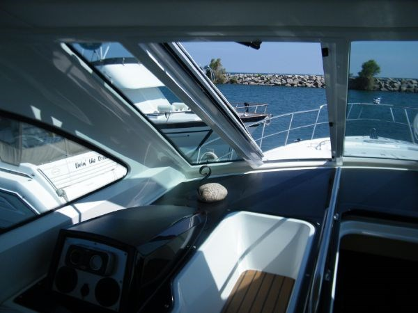 2010 Cruisers Yachts 520 Sport Coupe Photo 30 sur 81