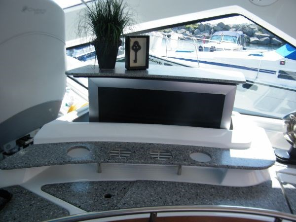 2010 Cruisers Yachts 520 Sport Coupe Photo 39 sur 81