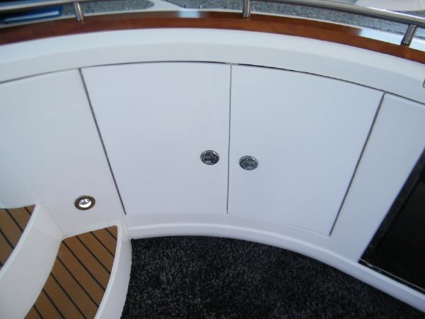 2010 Cruisers Yachts 520 Sport Coupe Photo 41 of 81