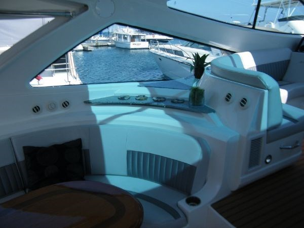 2010 Cruisers Yachts 520 Sport Coupe Photo 45 sur 81