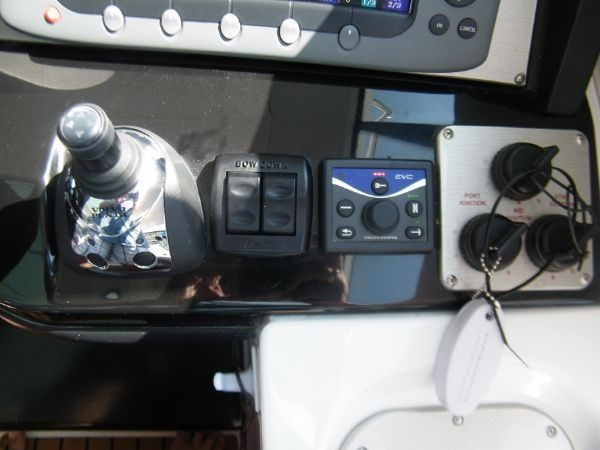 2010 Cruisers Yachts 520 Sport Coupe Photo 62 of 81