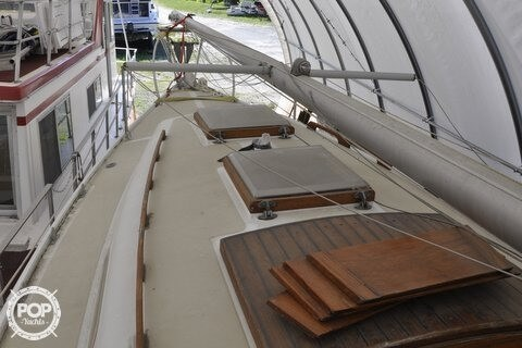 1979 Ericson Yachts 27 Photo 7 of 21