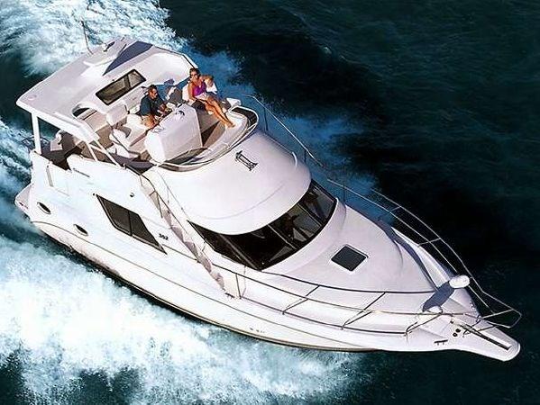 2002 Silverton 352 Motor Yacht Photo 2 of 37