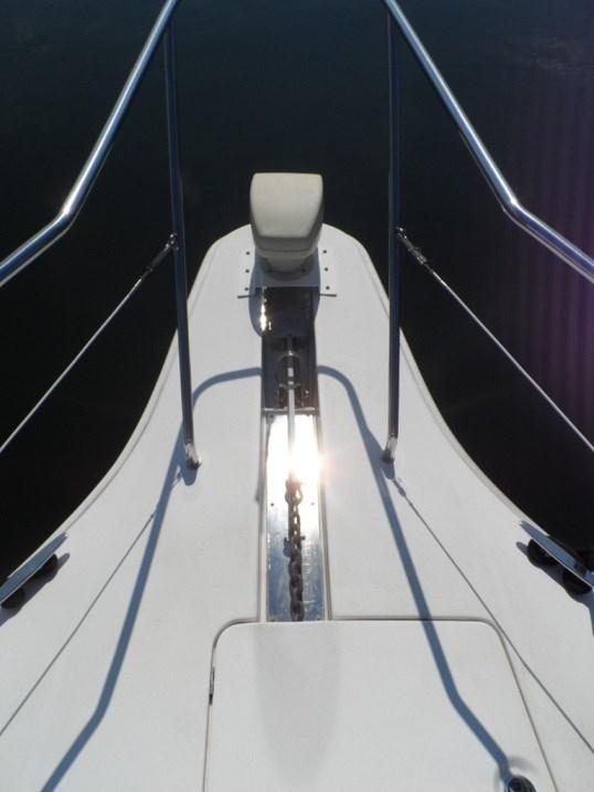 2002 Silverton 352 Motor Yacht Photo 8 of 37