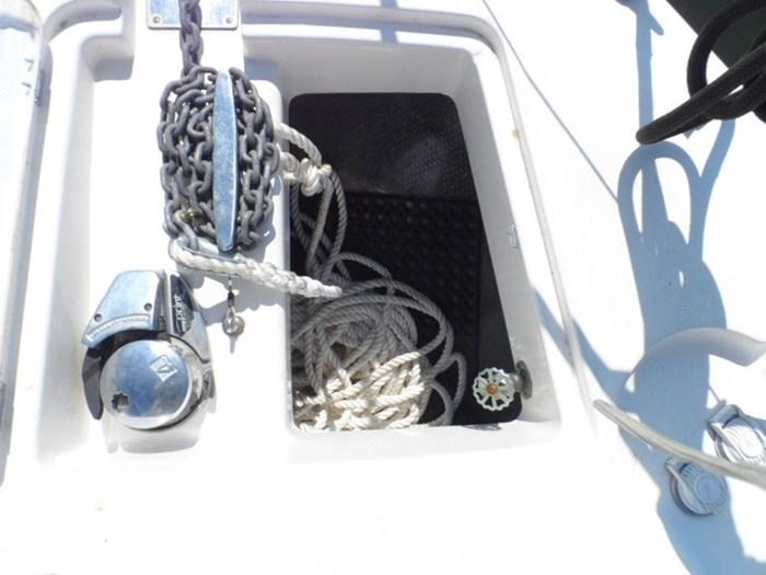 2002 Silverton 352 Motor Yacht Photo 9 of 37