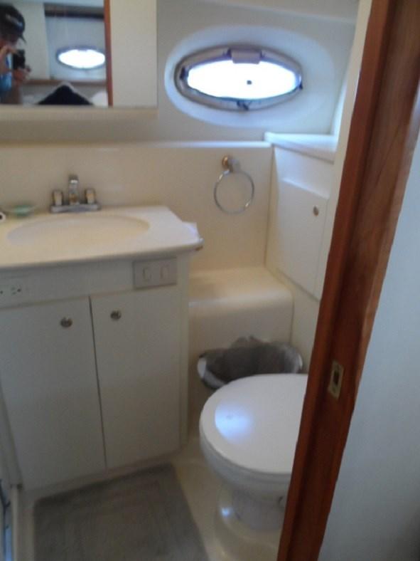 2002 Silverton 352 Motor Yacht Photo 23 of 37