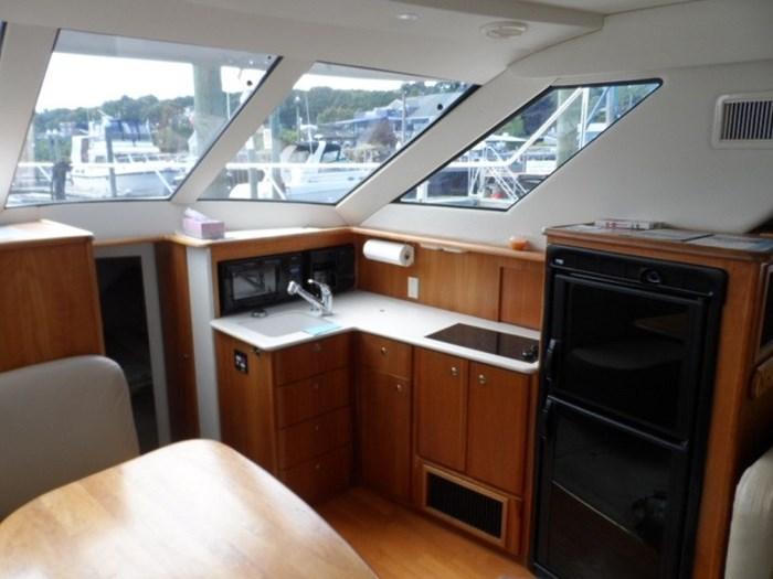 2002 Silverton 352 Motor Yacht Photo 27 of 37