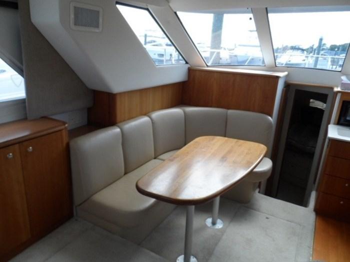 2002 Silverton 352 Motor Yacht Photo 28 of 37