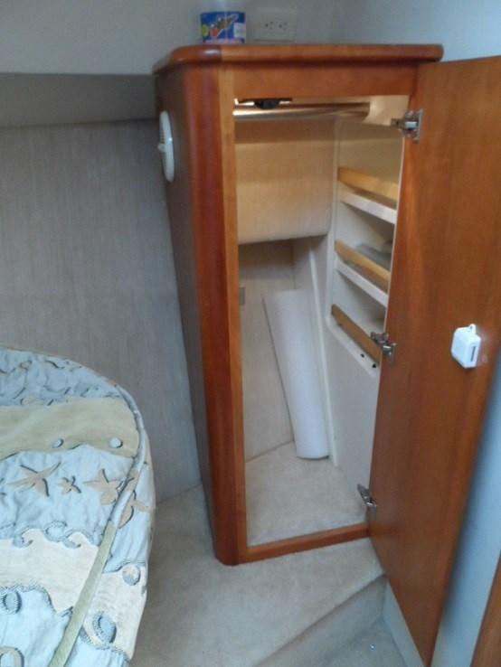 2002 Silverton 352 Motor Yacht Photo 31 of 37