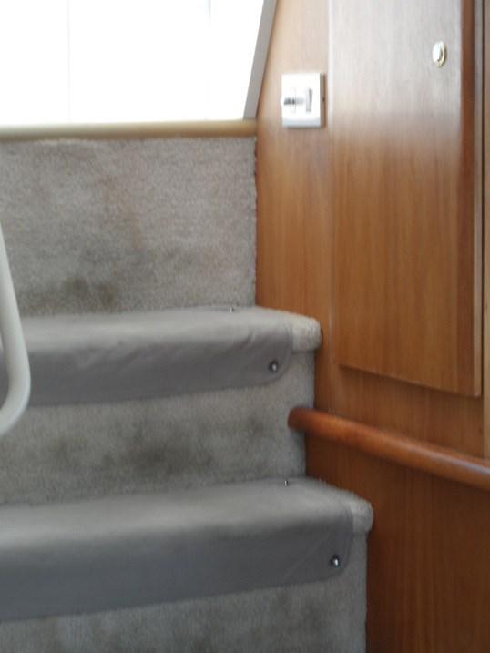 2002 Silverton 352 Motor Yacht Photo 24 of 37