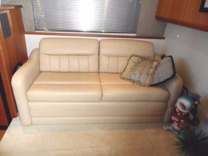 2002 Silverton 352 Motor Yacht Photo 25 of 37