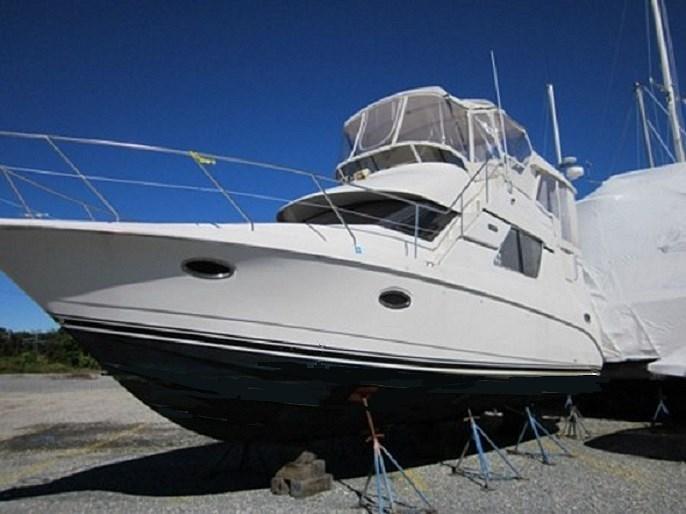 2002 Silverton 352 Motor Yacht Photo 6 of 37