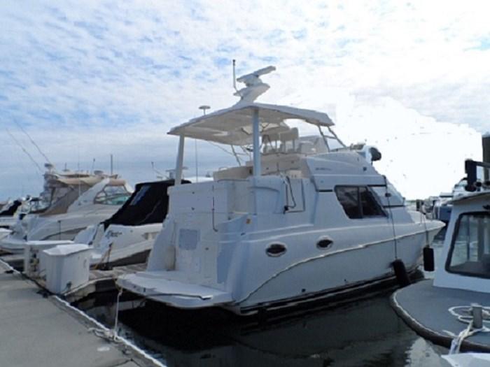 2002 Silverton 352 Motor Yacht Photo 4 of 37