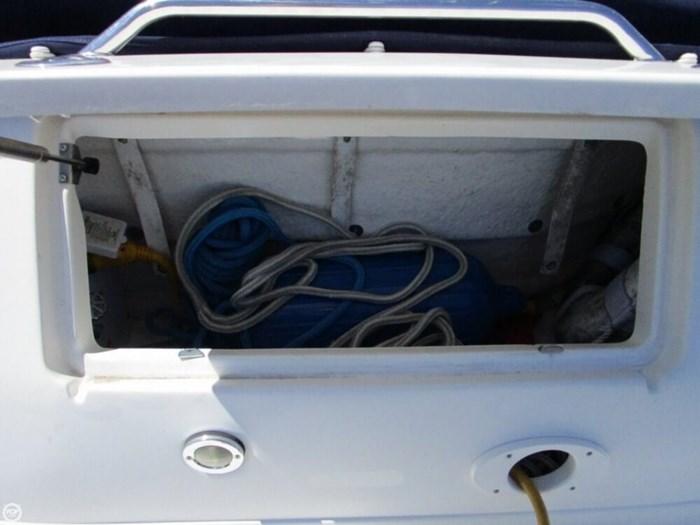 2004 Sea Ray 320 Sundancer Photo 17 of 20