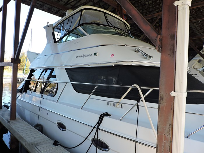 2004 Carver 460 Voyager Photo 12 of 81