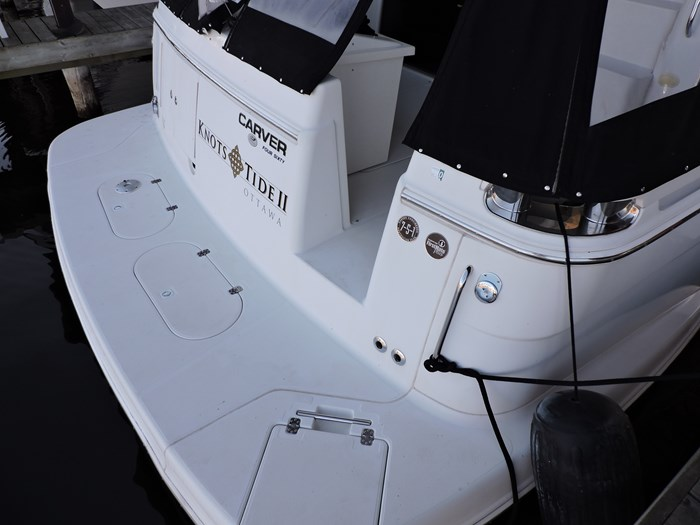 2004 Carver 460 Voyager Photo 15 of 81