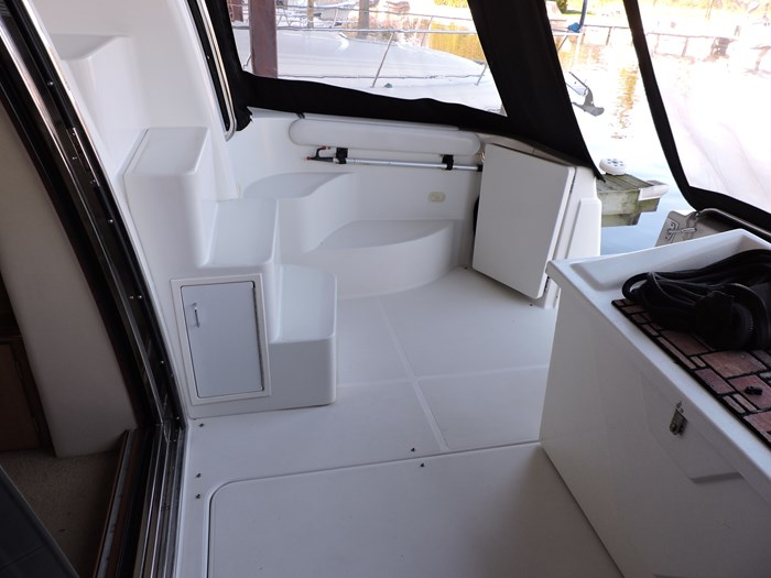 2004 Carver 460 Voyager Photo 20 of 81