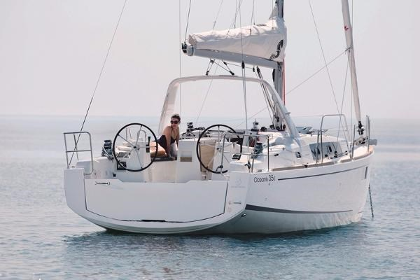 2021 Beneteau Oceanis 35.1 Photo 15 of 29