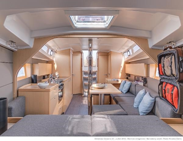 2021 Beneteau Oceanis 38.1 Photo 28 sur 32
