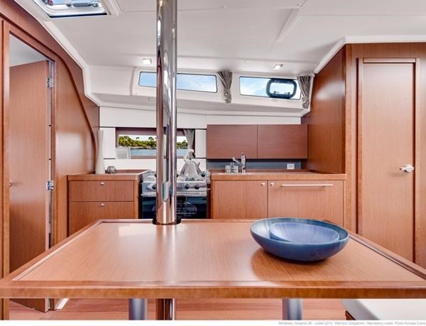 2021 Beneteau Oceanis 38.1 Photo 19 sur 32