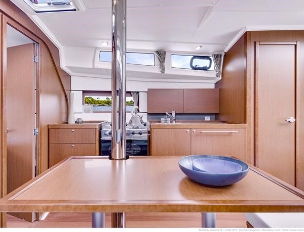 2021 Beneteau Oceanis 38.1 Photo 6 sur 32