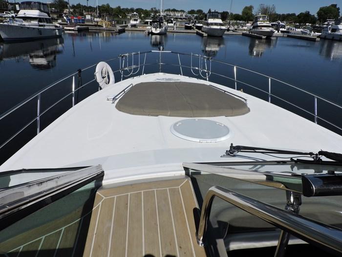 2009 Cruisers Yachts 460 Express Photo 21 of 61