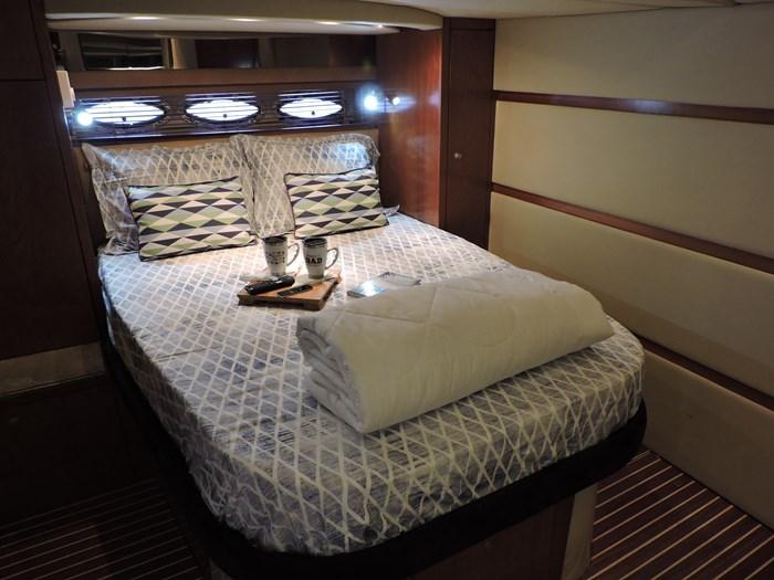 2009 Cruisers Yachts 460 Express Photo 36 of 61