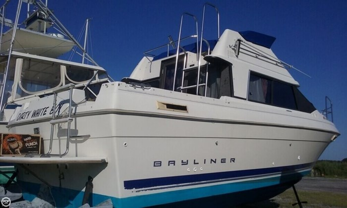 1994 Bayliner Cierra 2566 Photo 10 sur 21