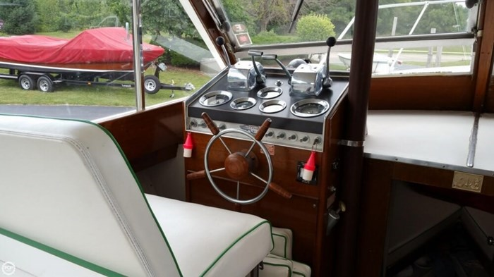 1967 Chris-Craft Sea Skiff 32 Sports Cruiser Photo 4 of 20