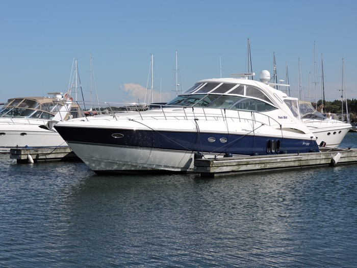 2005 Cruisers Yachts 500 Express Photo 3 sur 83