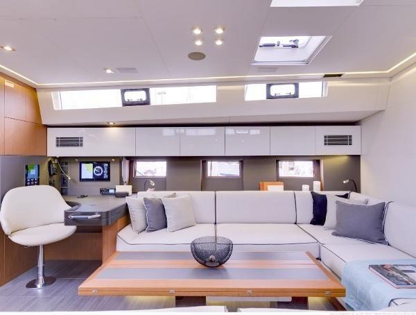 2019 Beneteau Oceanis Yacht Photo 9 of 37