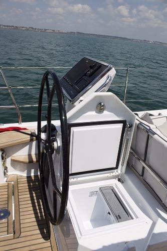 2019 Beneteau Oceanis Yacht Photo 30 of 37