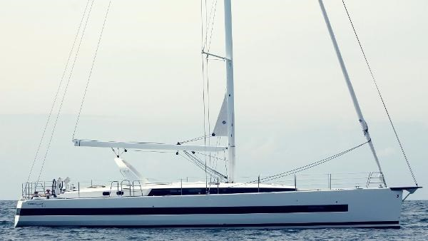 2019 Beneteau Oceanis Yacht Photo 37 of 37