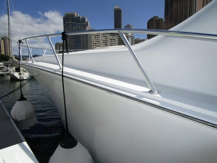 2005 Viking Yachts 65 Convertible Photo 9 of 20