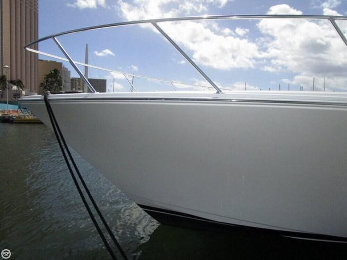 2005 Viking Yachts 65 Convertible Photo 10 of 20