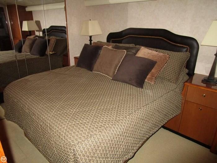 2005 Viking Yachts 65 Convertible Photo 7 of 20