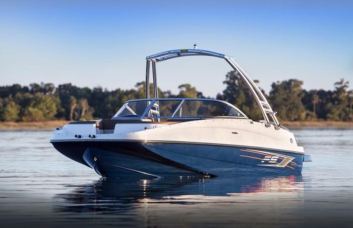 2017 Bayliner 195 Deck Boat Photo 1 sur 4