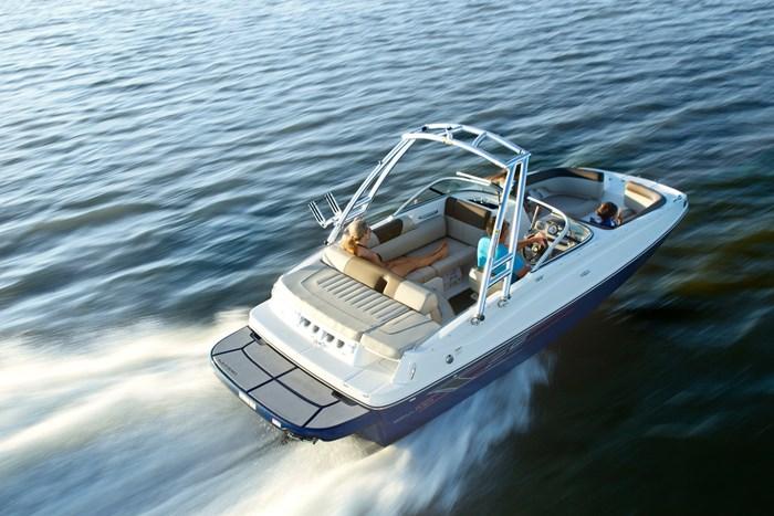 2017 Bayliner 195 Deck Boat Photo 2 sur 4