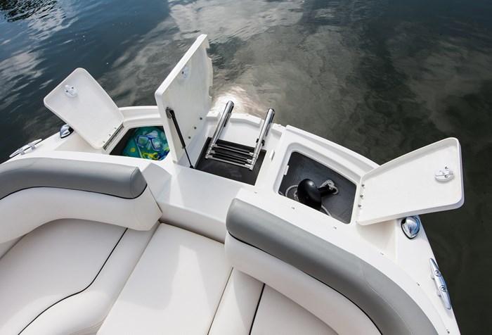 2017 Bayliner 195 Deck Boat Photo 4 sur 4