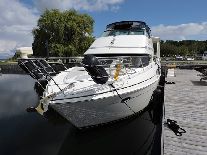 2005 Carver 46 Motor Yacht Photo 8 of 74