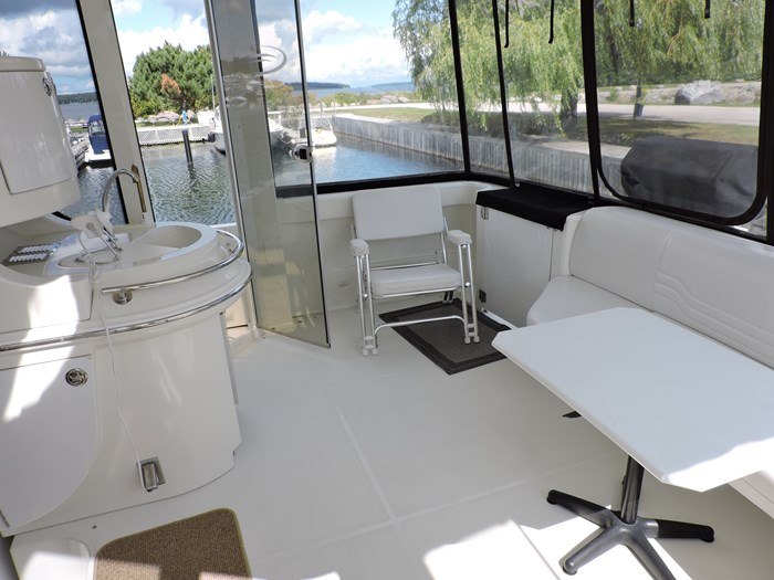 2005 Carver 46 Motor Yacht Photo 15 of 74