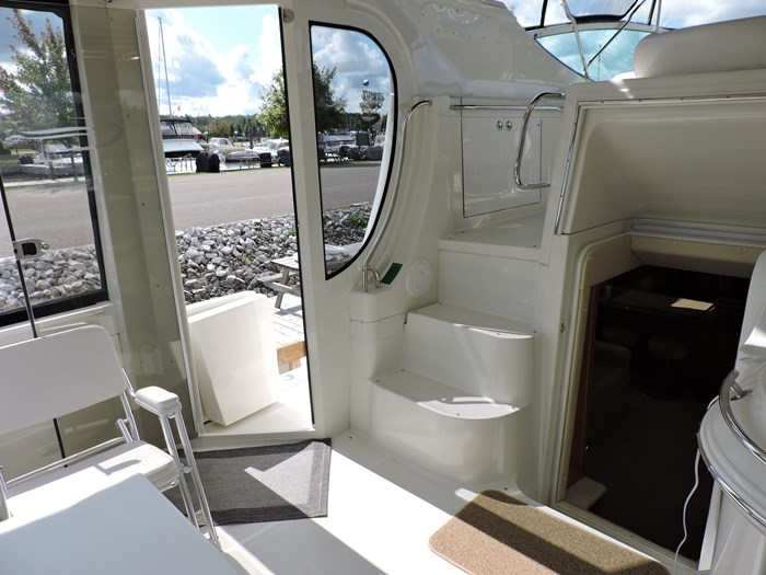 2005 Carver 46 Motor Yacht Photo 21 of 74