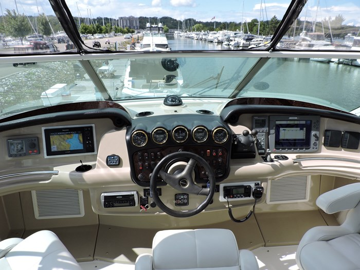 2005 Carver 46 Motor Yacht Photo 26 of 74